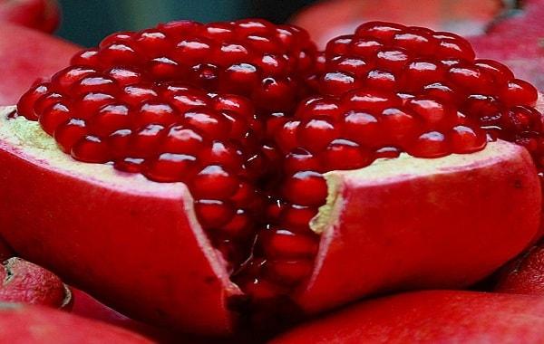 pomegranate-min